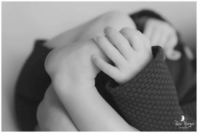 photo de bébé en noir et blanc, photographe Troyes